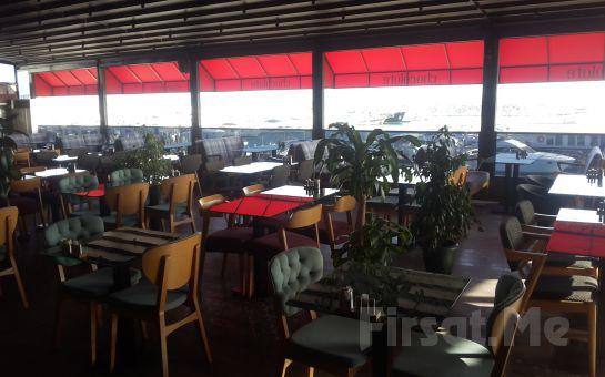 Chocolate Bistro & Bar West Marina'da Deniz Manzarası Eşliğinde Kütükte veya Serpme Kahvaltı Keyfi