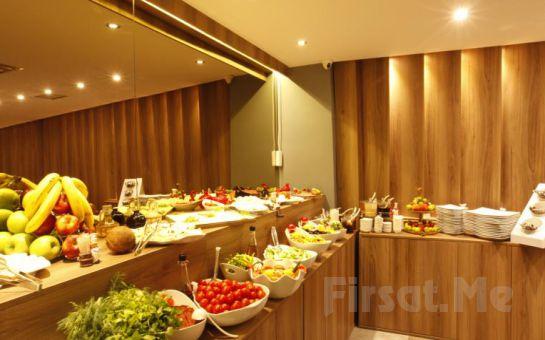 Castillo Hotel Eskişehir'de Standart veya Suit Odalarda Kahvaltı Dahil Konaklama Seçenekleri