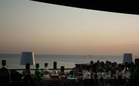 Suadiye Hotel'de Şehir ve Deniz Manzaralı Odalarda 2 Kişilik Konaklama Seçenekleri!