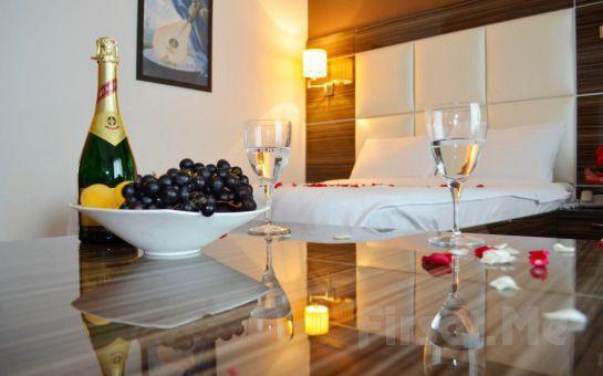 NİŞANTAŞI HOTEL LA PIANO'da 2 Kişi 1 Gece Konaklama + Açık Büfe Kahvaltı + Türk Hamamı!