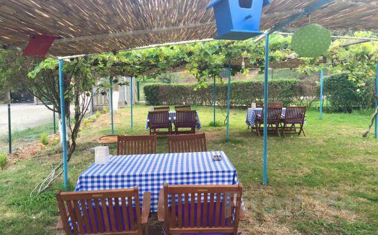 Beykoz Yazlık Fener Cafe ve Restaurant'ta Serpme veya Açık Büfe Kahvaltı