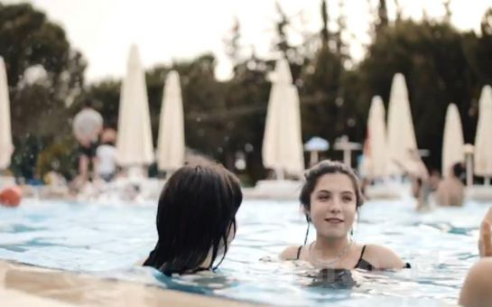 Life Park İzmir'de Leziz Serpme Kahvaltı ve Gün Boyu Havuz Keyfi