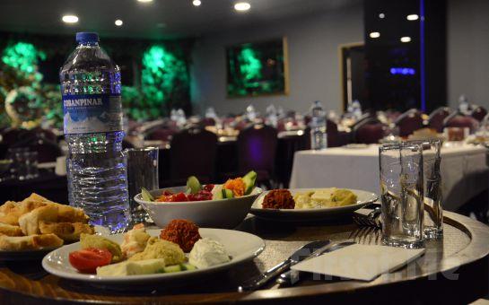 Bostancı Bostancı Green Park Keyifli Sahne'de İlkay Toktaş ve Alper ile İçecek Eşliğinde Akşam Yemeği ve Sınırsız Eğlence