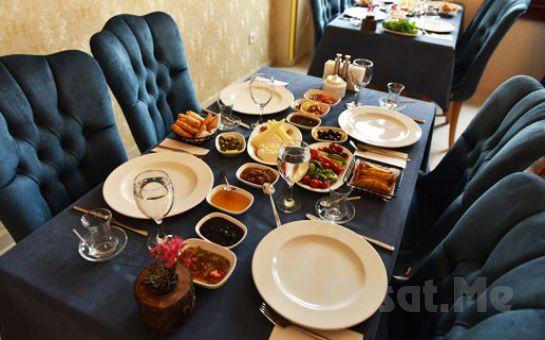 Beykoz Liva Köşk'te Zengin İçerikli Serpme Kahvaltı Keyfi