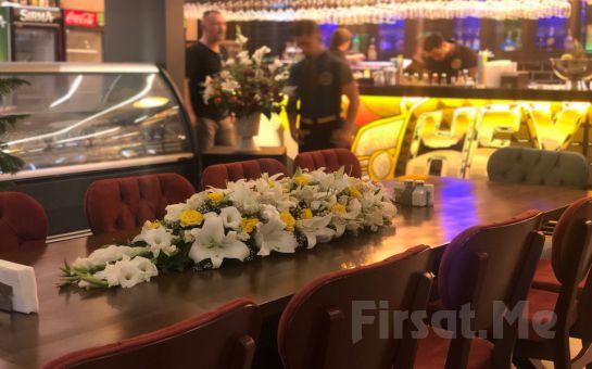Hey Taxi Cafe Çukurambar'da Sınırsız Çay Eşliğinde 2 Kişilik Serpme Kahvaltı Keyfi
