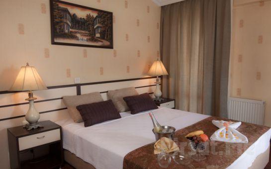 Silivri Family Resort Hotel'de 2 Kişilik Konaklama Spa Kullanımı ve Romantik akşam yemeği Paketleri