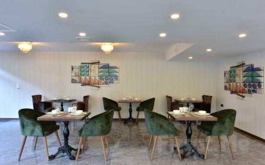 Vespia Otel Beylikdüzü'nde Kahvaltı Dahil 2 Kişilik Konaklama Keyfi