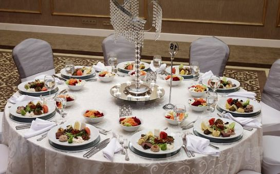 Beylikdüzü Euro Park Otel'de Yılbaşı Gala Programı ve Konaklama Seçenekleri