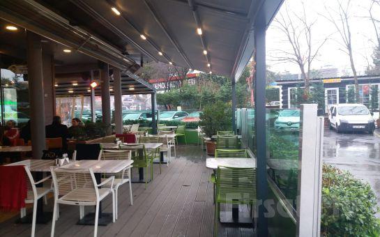 Zumm Cafe Restaurant'ta Sınırsız Çay Eşliğinde Organik Serpme Köy Kahvaltısı