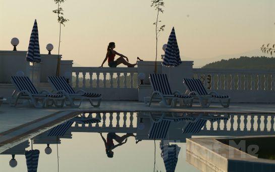 Ölüdeniz'in Yanıbaşında, Sunshine Holiday Resort Hotel'de Herşey Dahil Tatil Fırsatı!