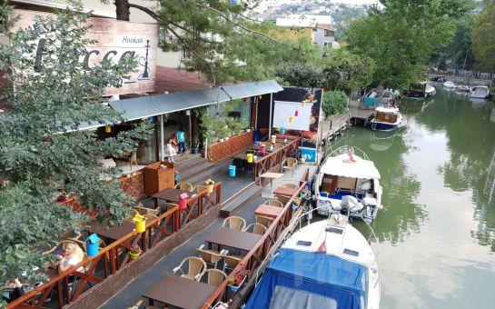 Anadolu Hisarı Göksu Locca Cafe'de Canlı Müzik ve DJ Performans Eşliğinde Yılbaşı Kokteyl Partisi