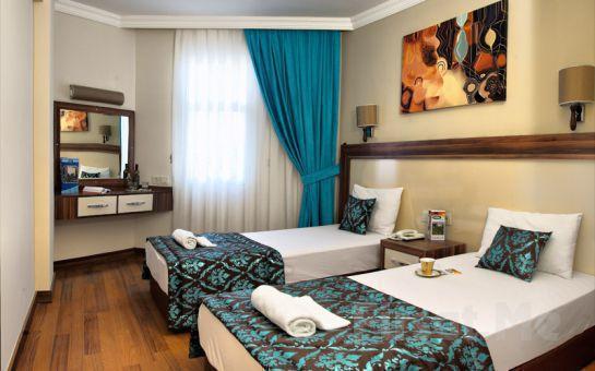 Kuşadası Flora Suites Hotel'de Herşey Dahil Tatil
