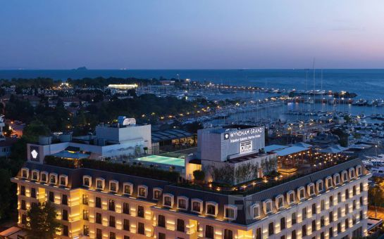 İstanbul Wyndham Grand Istanbul Kalamış Marina'da Sevgililer Günü Galası ve Konaklama Paketleri