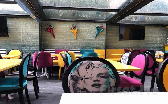 Hollywood City Lounge Üsküdar'da 14 Şubat Sevgililer Gününe Özel Keman Eşliğinde Romantik Akşam Yemeği