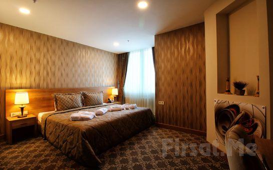 Beylikdüzü Sarissa Hotel'de 2 Kişi 1 Gece Konaklama ve Kahvaltı Keyfi