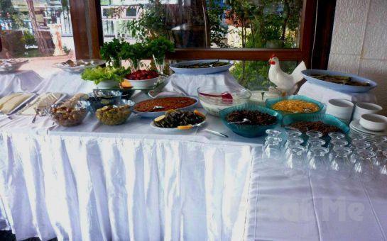 Kuş Sesleri Eşliğinde Cafemsi Libadiye Cafe Restaurant'ta Kahvaltı Tabağı + Sınırsız Çay!