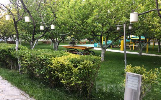 Gölbaşı Gold Garden'da 7 Haziran'da İnci Mercan Sahnesi ile Havuz Başında Leziz Akşam Yemeği ve Eğlence