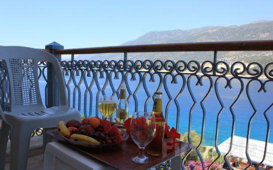 Farklı Deneyimler Edineceğiniz Bir Tatil Korsan Ada Kaş Hotel'de Yarım Pansiyon Tatil Fırsatı (Tüm Sezon Geçerli)