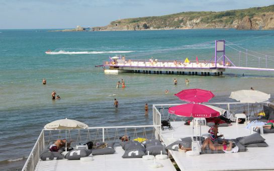 Kilyos Solar Beach'te Denize Sıfır Serpme Kahvaltı, Sınırsız Çay Fırsatı