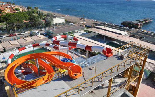 Dikili Alder Aquapark'ta Aquapark Girişi ve Sınırsız Eğlence Keyfi