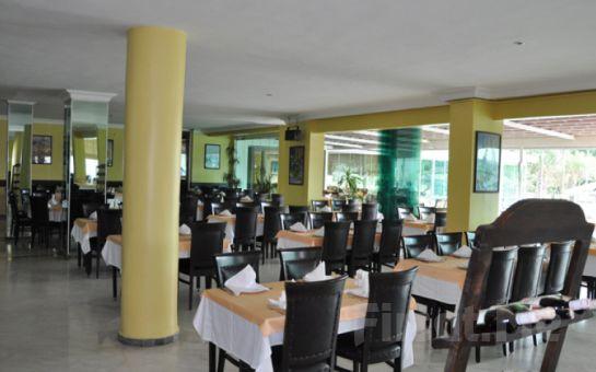 Ata Hotel Kumburgaz'da Kahvaltı Dahil İki Kişilik Konaklama