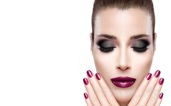 Naz Güzellik Salonu Acıbadem'de Cilt Bakımı, Kaş Kontürü, Boya, Fön, Makyaj, Manikür & Pedikir, Ağda Bakım Paketleri