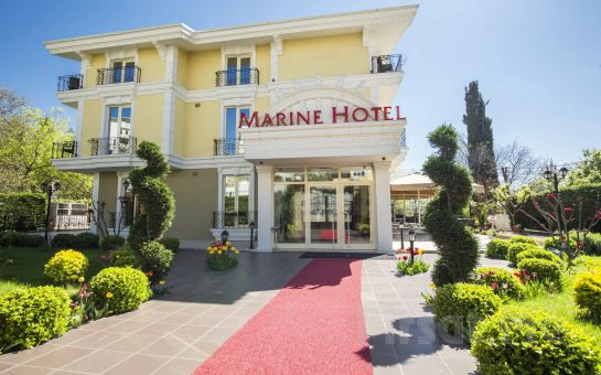 Blue Marine Hotel Tuzla'da Kara veya Deniz Manzaralı Odalarda Konaklama Seçenekleri