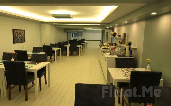 The Breeze Hotel Eskişehir'de İki Kişilik Konaklama ve Kahvaltı Seçenekleri