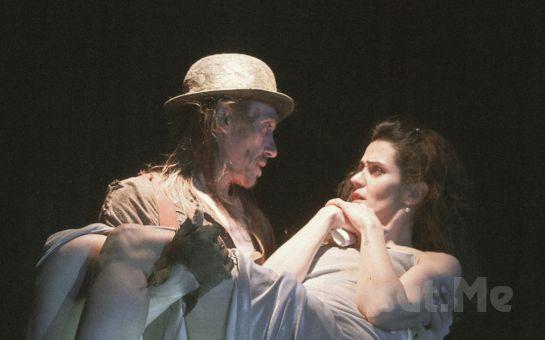 Hakan Boyav'ın Yazdığı Ödüllü Eser 'Koleksiyoncu' Tiyatro Oyunu Bileti 57 TL Yerine 38 TL'den Başlayan Fiyatlarla