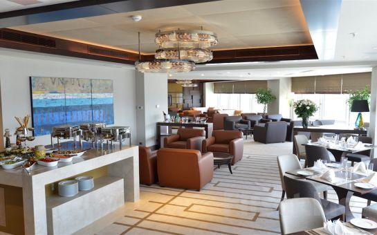 Güneşli Wyndham Grand İstanbul Europe'ta 'Aslı Güngör' ve Lezzetli Yemek Menüsü Eşliğinde Yılbaşı Galası ve Konaklama Seçenekleri