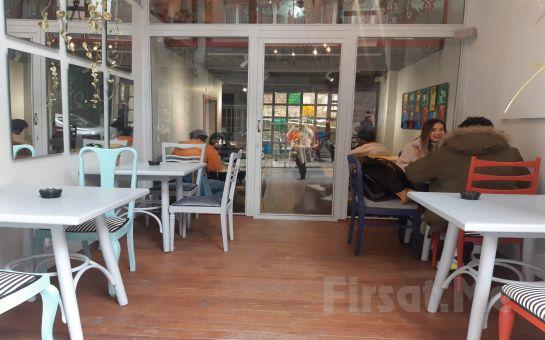 Alfred Cafe & Restaurant'ta Özel Sinema Odasında Yemek Menüsü, Popcorn İkramı ve 2 Kişilik Romantik Sinema Keyfi