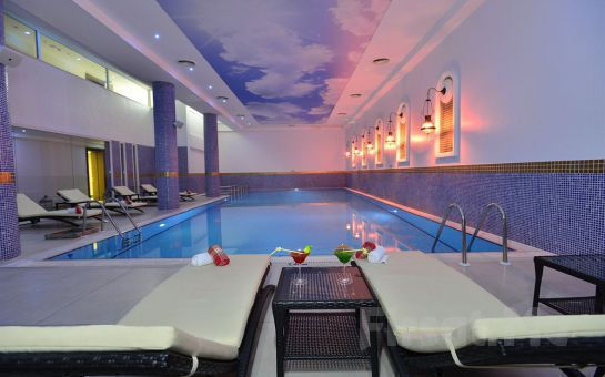 Tatil Bugün'den, 5* WELLBORN LUXERY HOTEL'de 1 Gece Yarım Pansiyon Konaklama, Türk Hamamı, SPA Keyfi ve Kartepe, Kartalkaya Kayak Turu