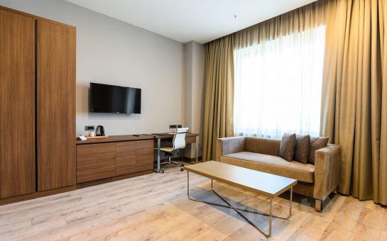 La Quinta by Wyndham İstanbul Güneşli Hotel'de 2 Kişilik Romantik Tatil Paketleri