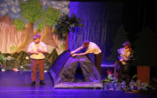Çocuklarınızın Eğlenerek Çevrecilik ve İlk Yardım Hakkında Bilgi Edineceği 'İzciler Kampta' Tiyatro Bileti