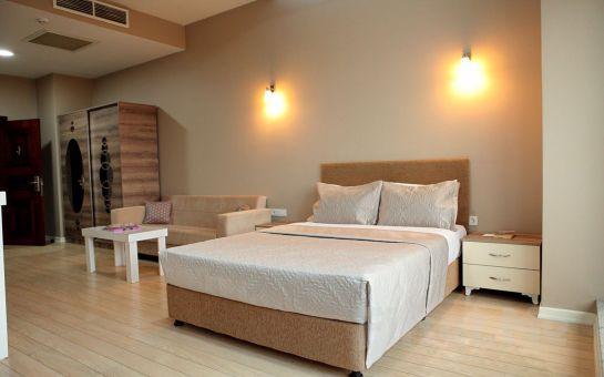 Beylikdüzü Expoist Hotel'de 2 Kişilik 1 Gece Konaklama
