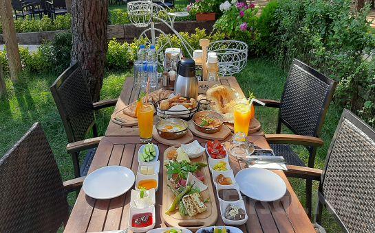 Samandra Nefes Cafe ve Restaurant Sancaktepe'de Serpme Kahvaltı