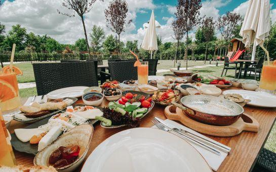 Polonezköy Pamera Garden'da Enfes Serpme Kahvaltı Keyfi 6