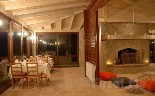 Romantizmin Adresi Ağva Gizemli Nehir Otel'de Şömine Başında Akşam Yemeği ve Şarap Keyfi!