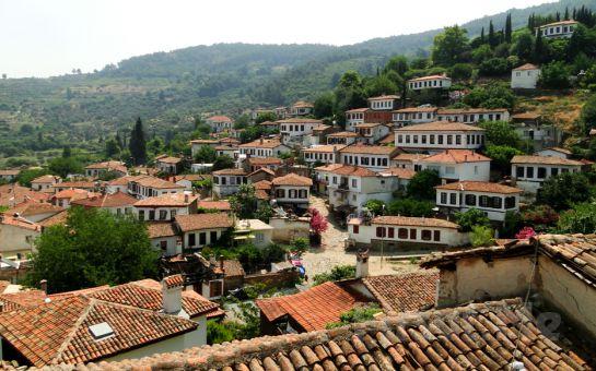 Tournetur'dan 29 Ekim Özel 2 Gece Konaklamalı Egenin Saklı Köyleri Turu