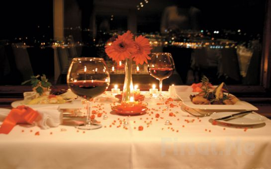 Kanlıca Paysage Restaurant'ta Büyüleyici Boğaz Manzarası Eşliğinde Akşam Yemeği