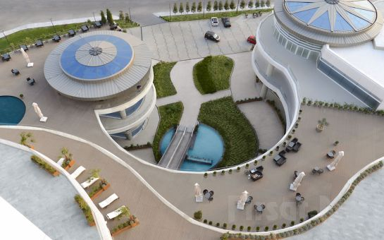 Güneşli Wyndham Grand İstanbul Europe'ta Muhteşem Lezzetler Eşliğinde Yılbaşı Konaklama Paketi Seçenekleri