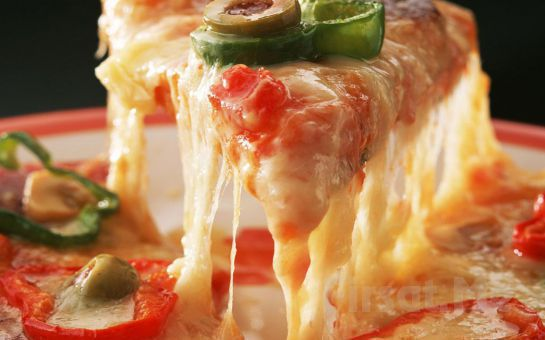 Büyükçekmece'nin Denize Sıfır Mekanı Green House Cafe'de Haftanın Hergünü Geçerli Orta Boy İtalyan Miks Pizza + Kutu İçecek Fırsatı!