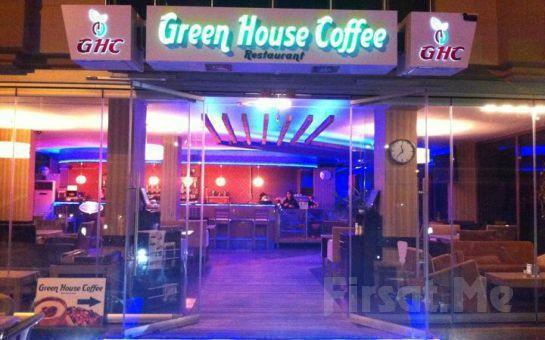 Büyükçekmece'nin Denize Sıfır Mekanı Green House Cafe'de Haftanın Hergünü Geçerli Orta Boy İtalyan Miks Pizza, Kutu İçecek Fırsatı