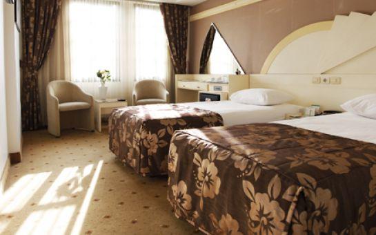 Körfez Manzaralı Hotel Marla İzmir'de Kahvaltı Dahil 2 Kişilik Konaklama
