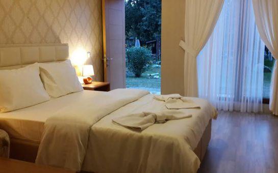 Sapanca Taş Ev Butik Otel'de Kahvaltı Dahil 2 Kişilik Konaklama Seçenekleri