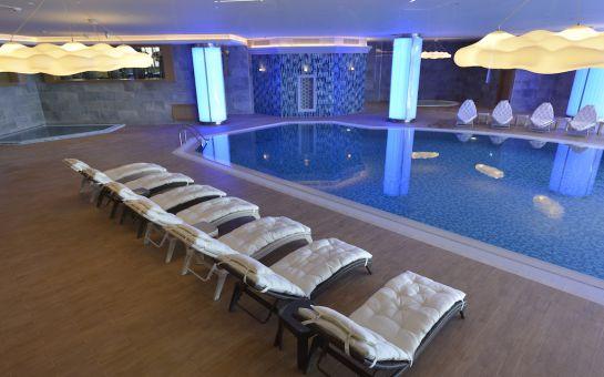 Güneşli Wyndham Grand İstanbul Europe Hotel'de Jakuzili Suite Odalarda 2 Kişilik Konaklama, İftar ve Sahur Menüleri
