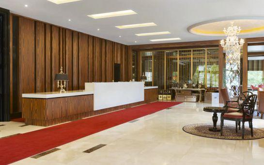 Ataköy Ramada Hotel & Suites By Wyndham İstanbul Hotel'de Kahvaltı Dahil 2 Kişilik Konaklama