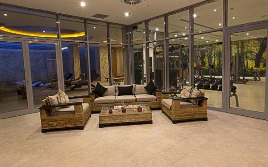 Ataköy Ramada Hotel & Suites By Wyndham İstanbul Hotel'de Kahvaltı ve Spa Kullanımı Dahil 2 Kişilik Konaklama