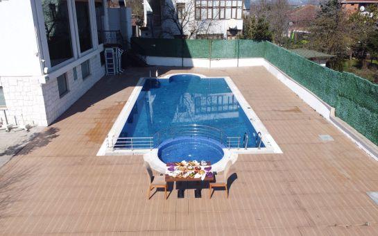 Maşukiye El Garden Otel'de Günübirlik Havuz Kullanımı ve Kahvaltı Seçenekleri