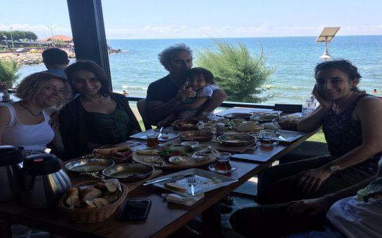 Avcılar Majestic Restaurant & Cafe'de Sınırsız Çay Eşliğinde Denize Nazır Serpme Kahvaltı Keyfi